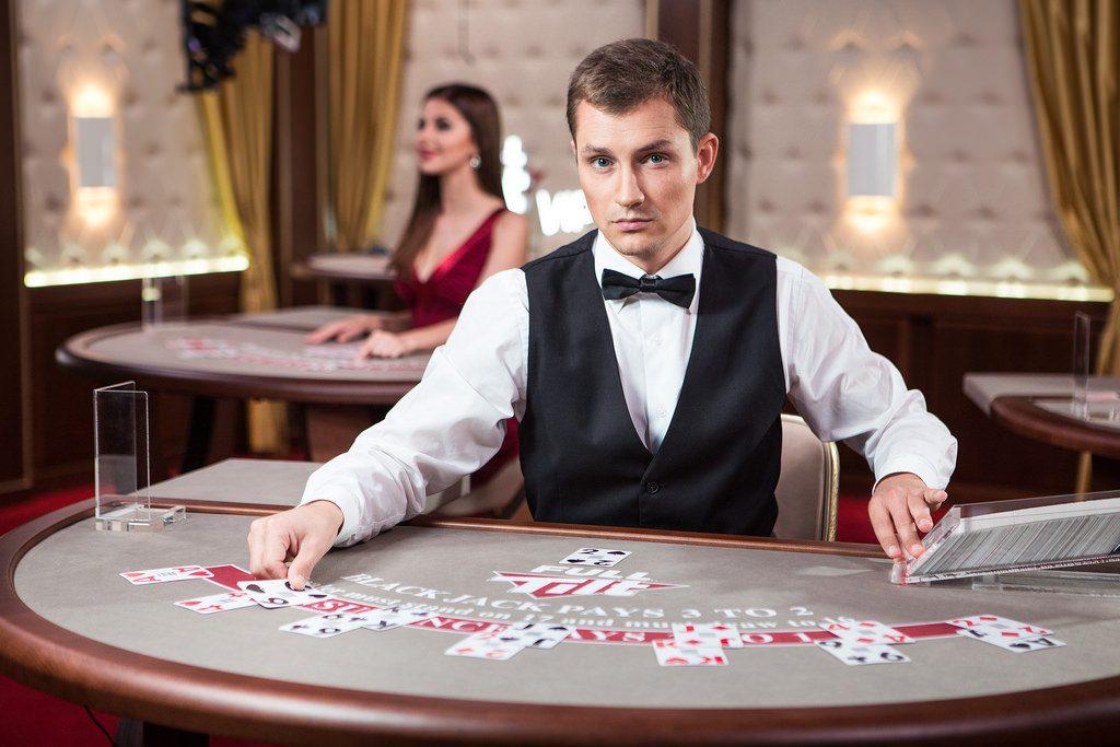 live casino online dealer